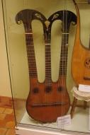 Harpolyre 1830, instrument du musée de M zéliker