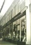 l'Académie de guitare, au 5 passage Verdeau à Paris